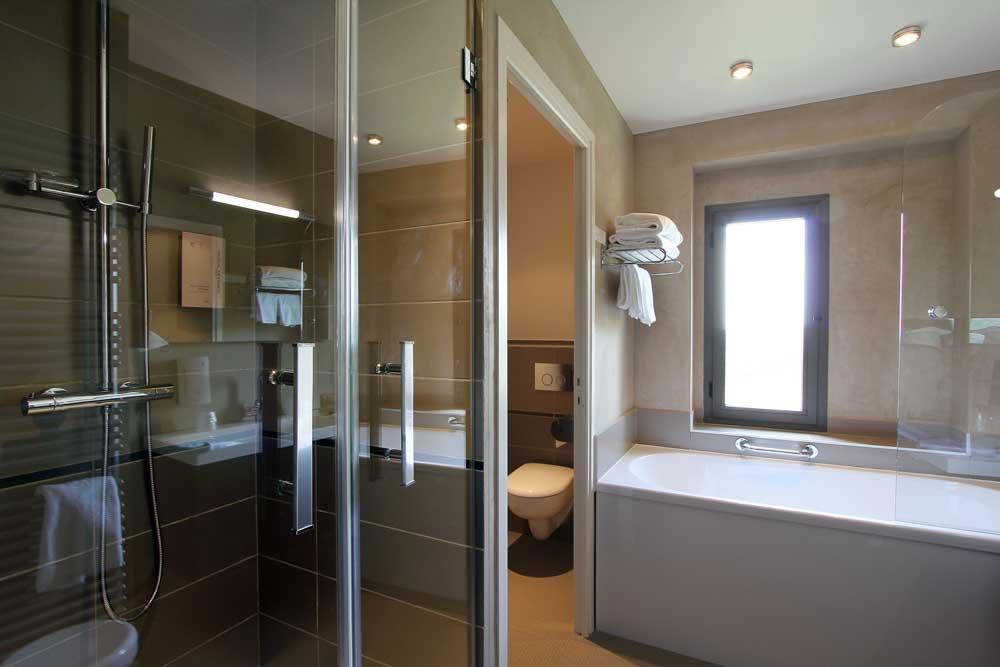 Salle De Bain Chambre D Hotel : Une salle de bains chambre à l hôtel étoiles la
