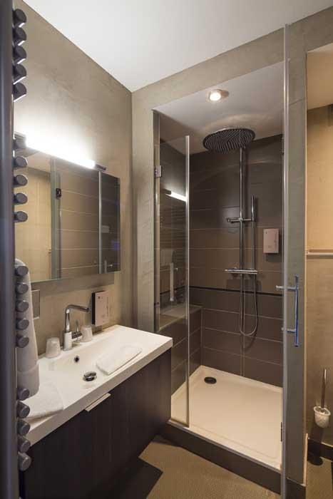 Hôtel 4 étoiles - Salle de bain - La Montagne de Brancion entre ...