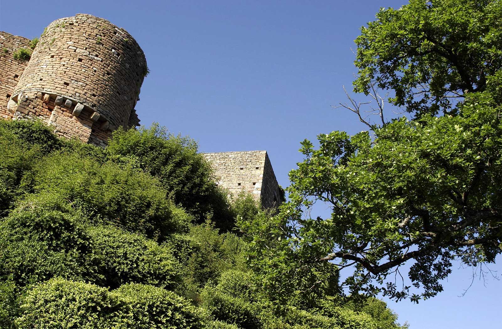 La Montagne de Brancion Chambre pour séminaire la Montagne de Brancion entre Tournus et Cluny
