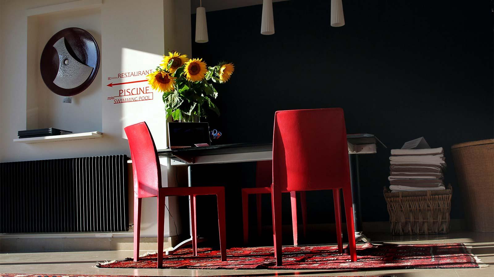 Hall d'accueil de l'hôtel restaurant La Montagne de Brancion entre Tournus et Cluny